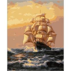 Фрегат в море