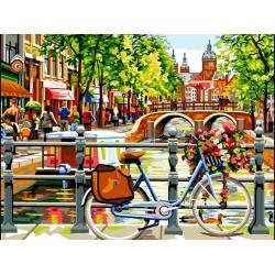 Амстердам на берегу канала