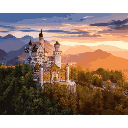 Замок в лучах заката