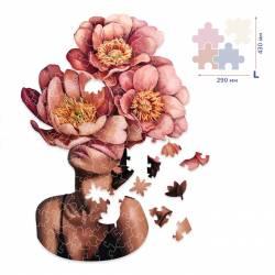 Девушка в цветущих пионах  (Размер L)