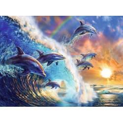 Дельфины на волне