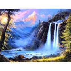 Горный водопад в лесу