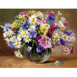 Сочный букет полевых цветов