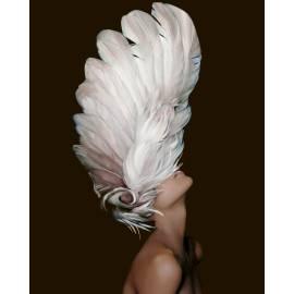 Женщина в перьях премиум, цветной холст