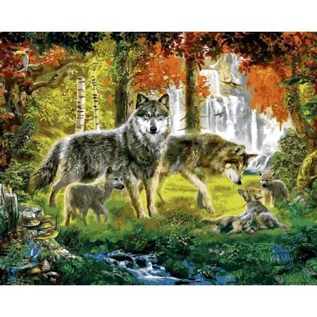 Семья волков в лесу
