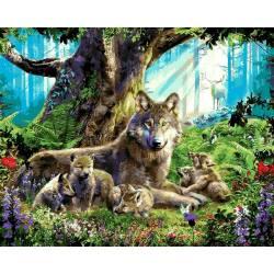 Волчица с волчатами