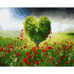 Дерево любви в зеленом поле