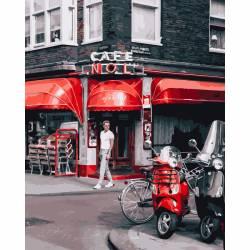 Уличное кафе в Париже