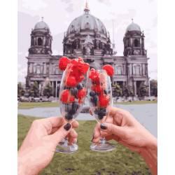 Ягоды на фоне Берлинского собора