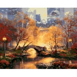 Мост в вечернем парке
