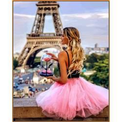 С цветком в Париже - в раме, цветной холст