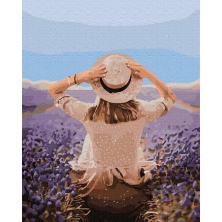 Картина по номерам путешественница в лавандовом поле  GX37568, Rainbow Art