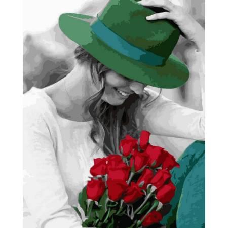 Девушка и зеленая шляпка